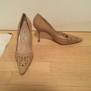 Manolo Blahnik 3 1/2 inch butterscotch suede shoes